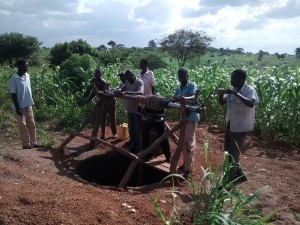 The Water Project : 2-uganda6077-excavation