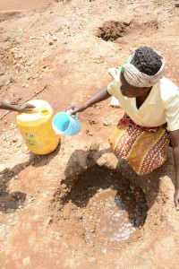 The Water Project : 4-kenya4760-fetching-water