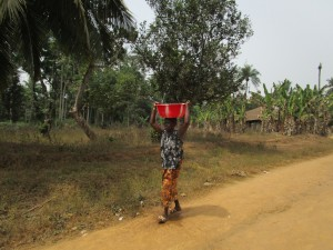 The Water Project : 7-sierraleone5105-carrying-water