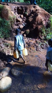 The Water Project : 3-kenya4708-mwikholo-spring