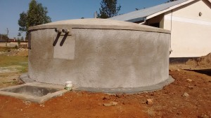 The Water Project : 33-kenya4637-finished-tank