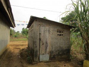 The Water Project : 4-sierraleone5110-latrine