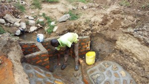 The Water Project : 7-kenya4696-construction