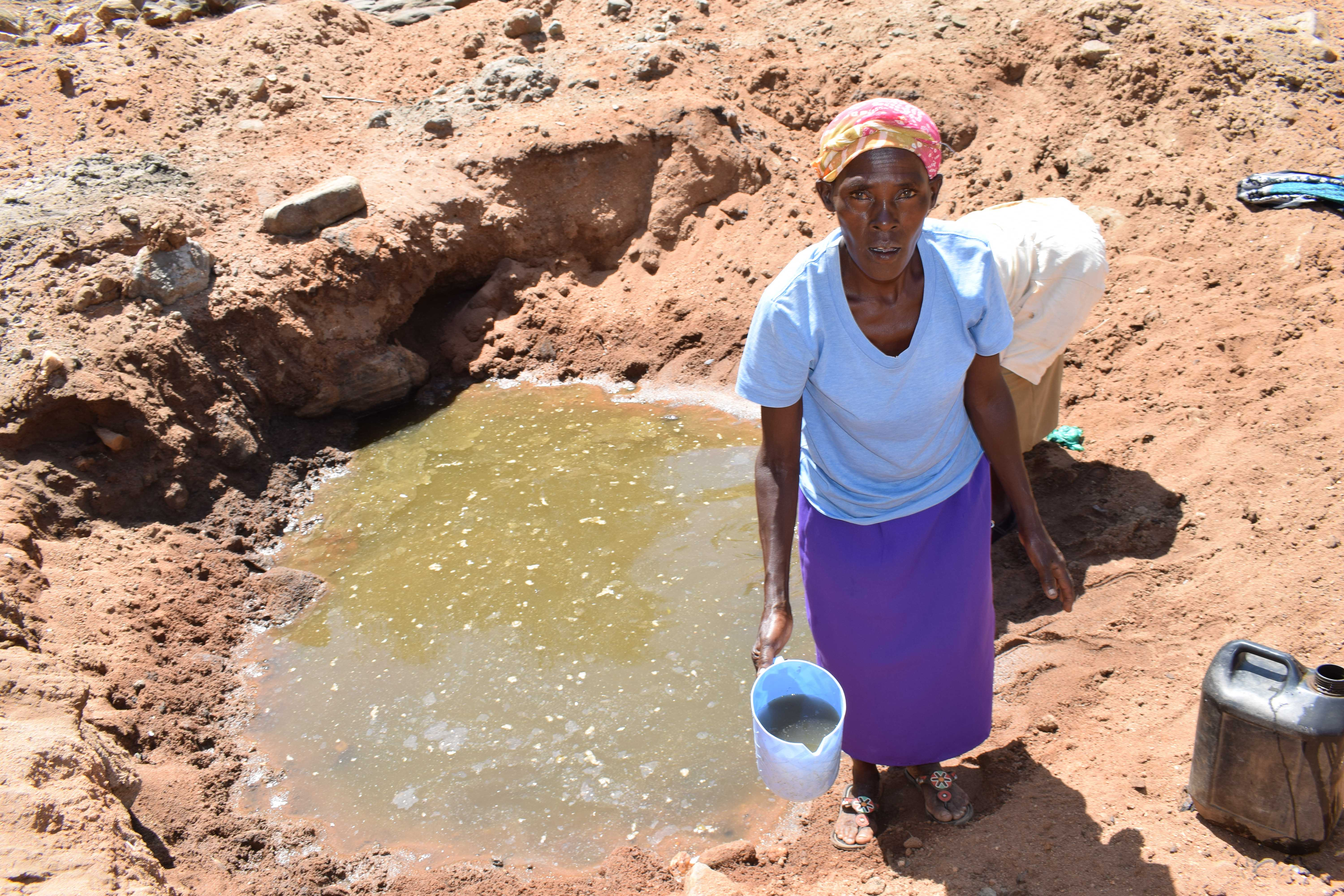 The Water Project : 8-kenya4759-scoop-hole-water
