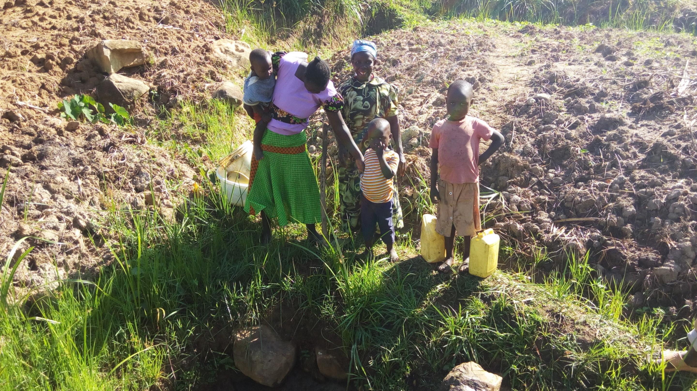 The Water Project : 1-kenya4754-amboka-family
