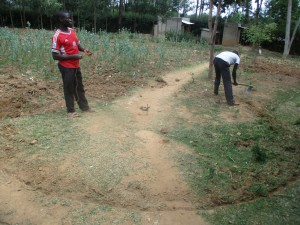 The Water Project : 11-kenya4641-leveling-ground-for-tank