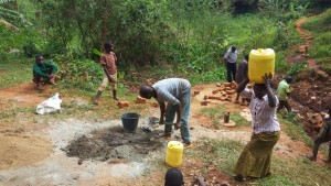 The Water Project : 11-kenya4708-construction