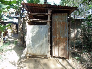 The Water Project : 16-kenya4732-latrine
