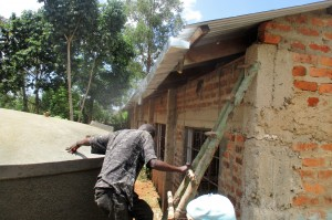 The Water Project : 19-kenya4641-gutter-installation