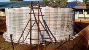 The Water Project : 19-kenya4650-tank-construction
