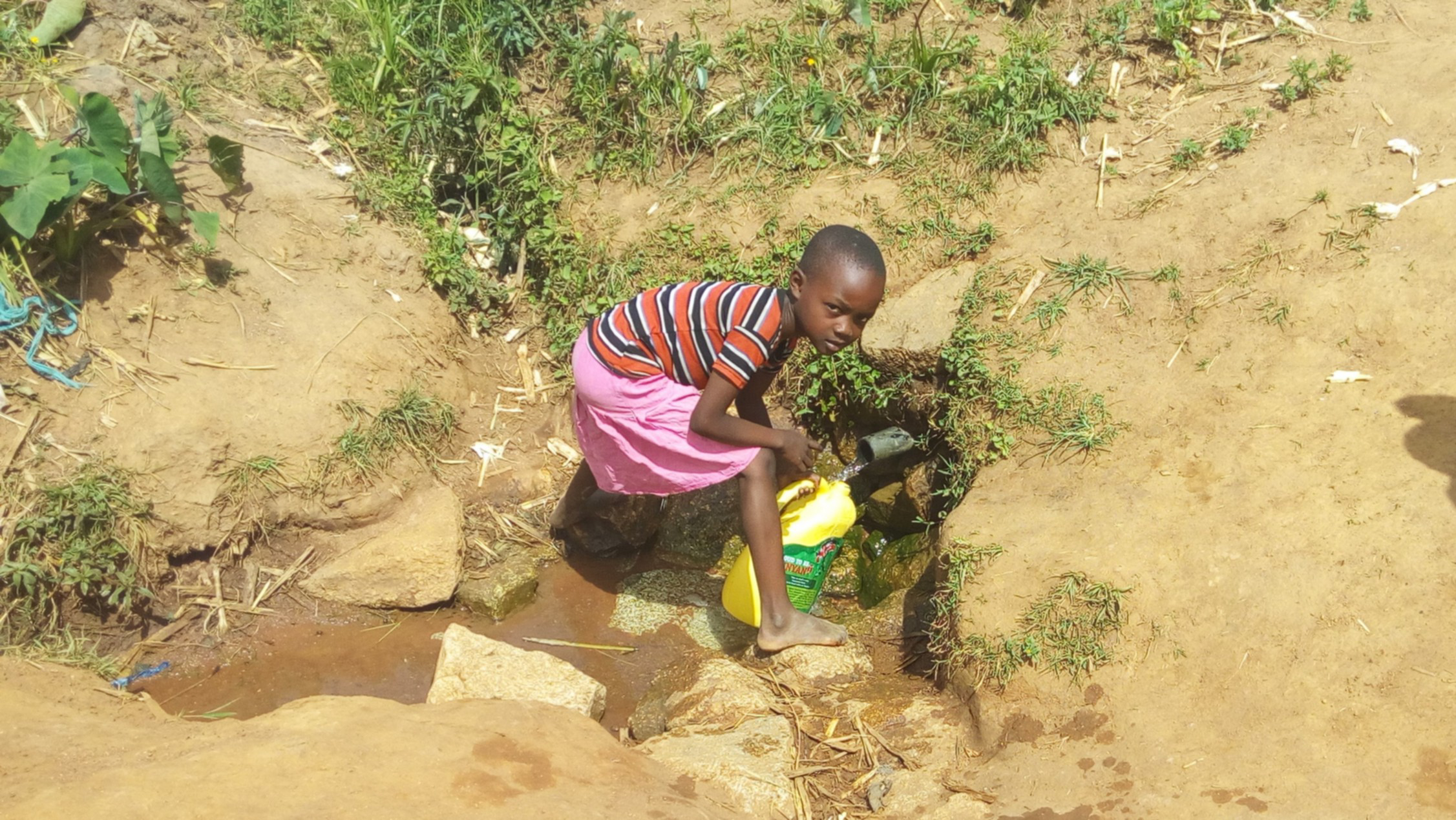 The Water Project : 2-kenya4729-fetching-water