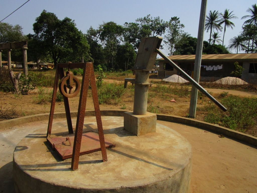 The Water Project : 2-sierraleone5114-dry-well