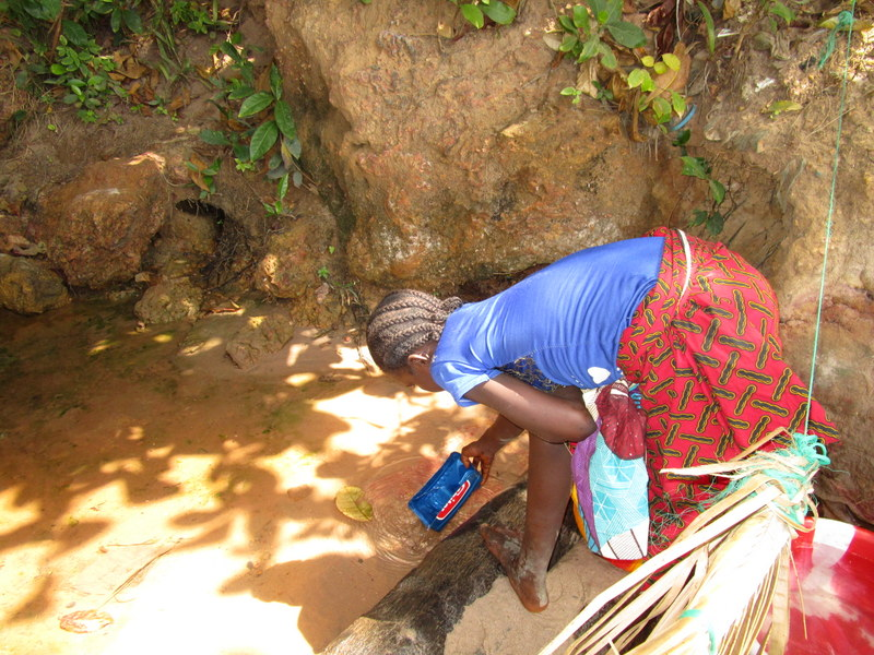 The Water Project : 2-sierraleone5120-fetching-water