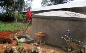 The Water Project : 20-kenya4640-construction