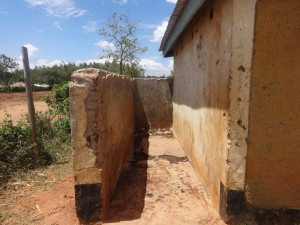 The Water Project : 20-kenya4677-boys-urinal