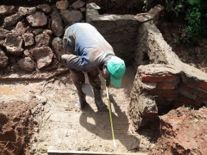 The Water Project : 20-kenya4710-construction