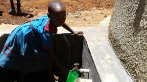 The Water Project : 27-kenya4649-finished-tank