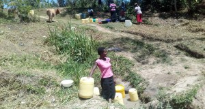 The Water Project : 3-kenya4725-malezi-spring