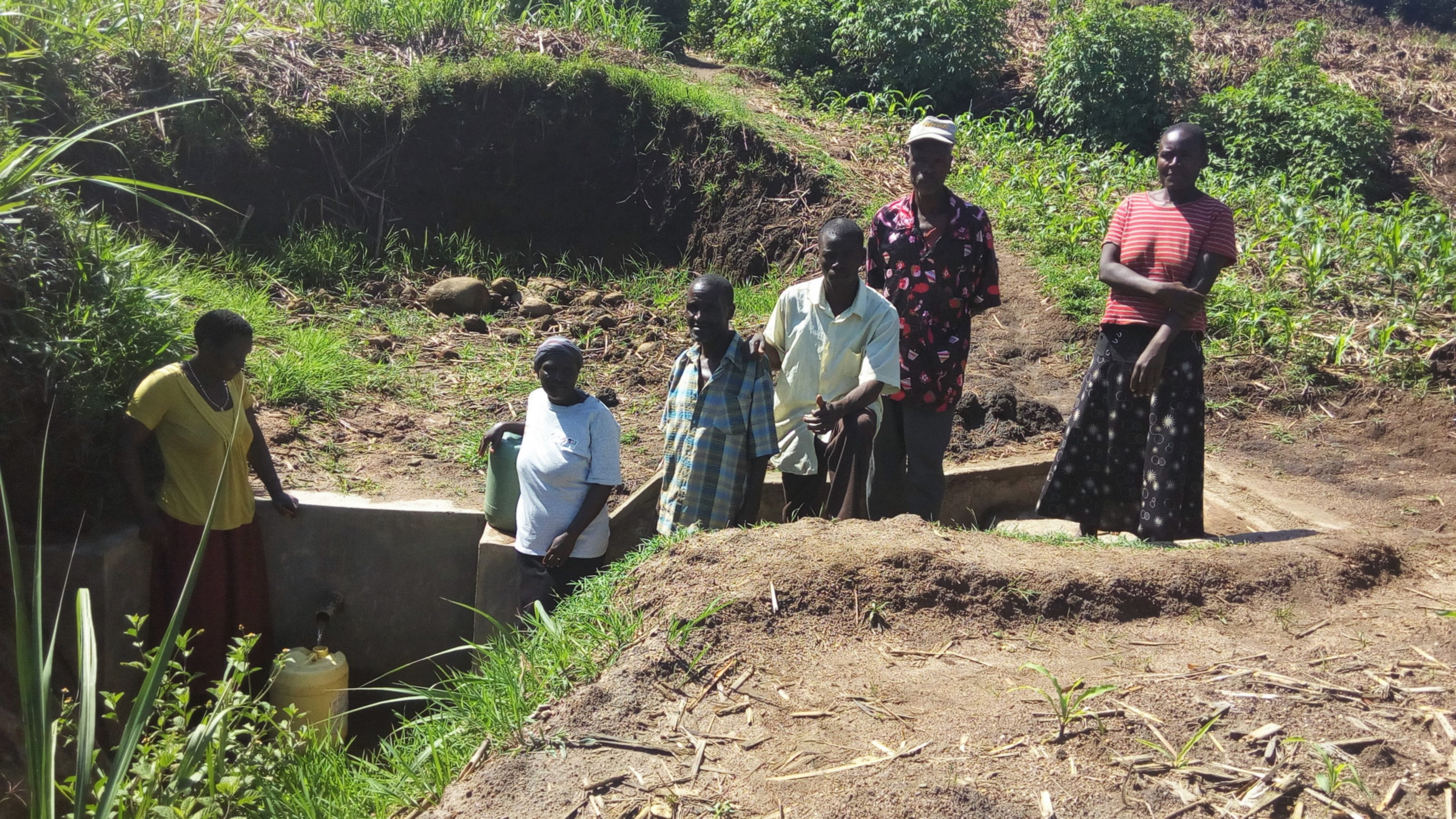 The Water Project : 35-kenya4700-protected-spring