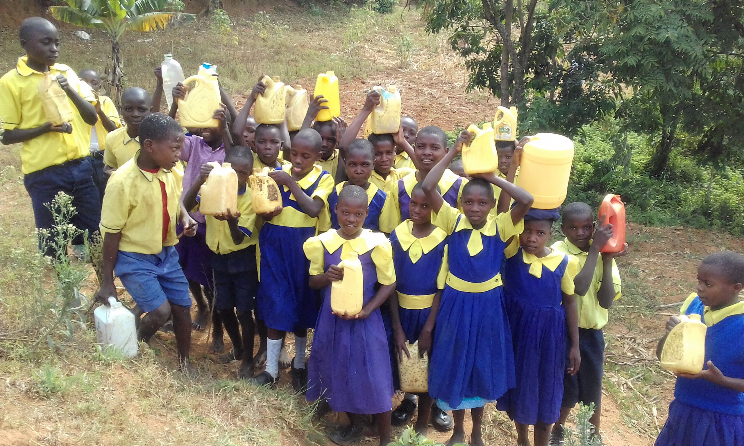 The Water Project : 4-kenya4681-filled-containers