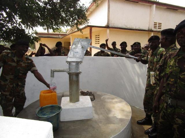 57 sierraleone5102 clean water