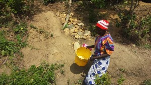 The Water Project : 6-kenya4717-fetching-water