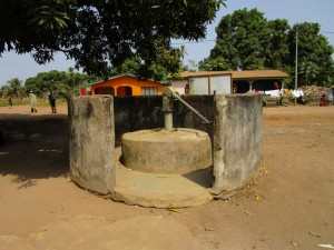 The Water Project : 1-sierraleone5127-seasonal-well