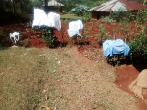 The Water Project : 12-kenya4719-no-clotheslines