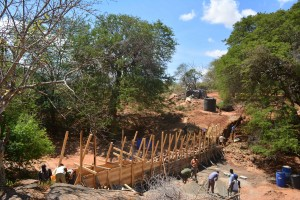The Water Project : 19-kenya4759-construction