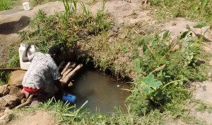 The Water Project : 2-kenya4736-fetching-water