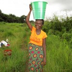 The Water Project : 2-sierraleone5130-carrying-water