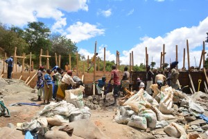 The Water Project : 24-kenya4760-construction
