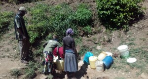 The Water Project : 3-kenya4739-scramble-around-the-water-point