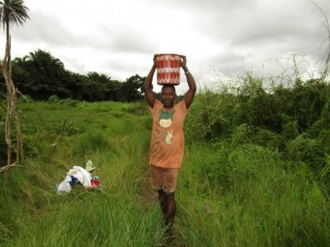 The Water Project : 3-sierraleone5130-carrying-water