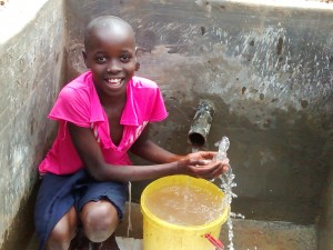 The Water Project : 30-kenya4715-clean-water