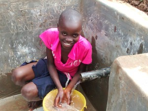 The Water Project : 31-kenya4715-clean-water