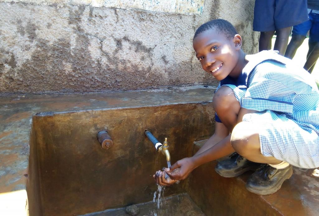 The Water Project : 4-kenya4597-meditse-khavetsa