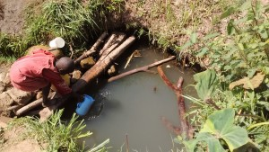 The Water Project : 4-kenya4736-fetching-water