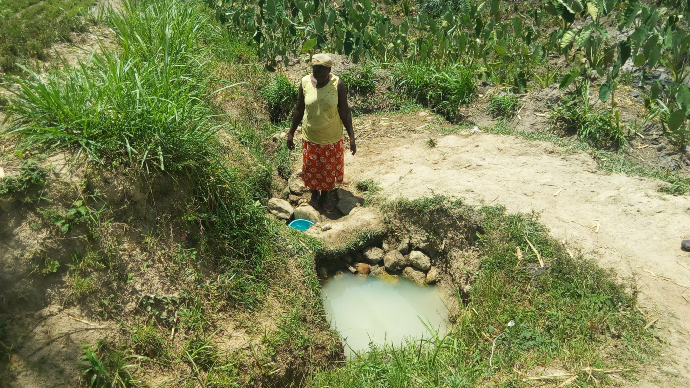 The Water Project : 4-kenya4740-fetching-water
