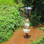 The Water Project : 4-sierraleone5127-carrying-water