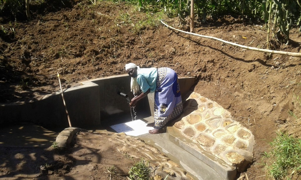 The Water Project : 15-kenya4714-clean-water