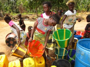 The Water Project : 16-sierraleone5105-flushing