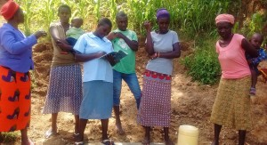 The Water Project : 17-kenya4718-clean-water