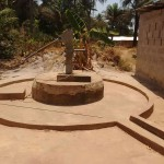 The Water Project : 2-sierraleone5128-seasonal-well-during-dry-months