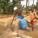 The Water Project : 21-sierraleone5105-flushing