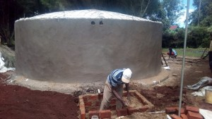 The Water Project : 26-kenya4653-tank-construction