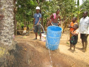 The Water Project : 26-sierraleone5105-flushing