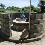 The Water Project : 27-sierraleone5110-walling-the-well