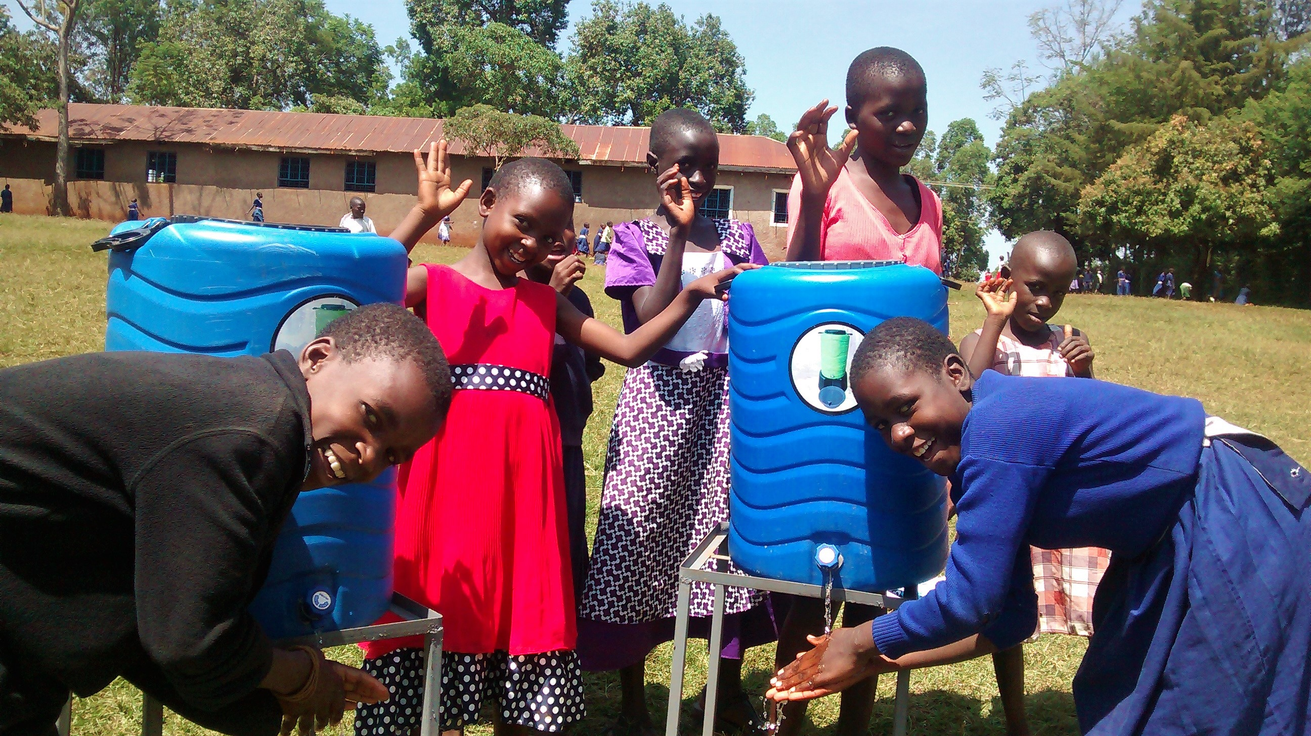 30 kenya4654 hand-washing stations