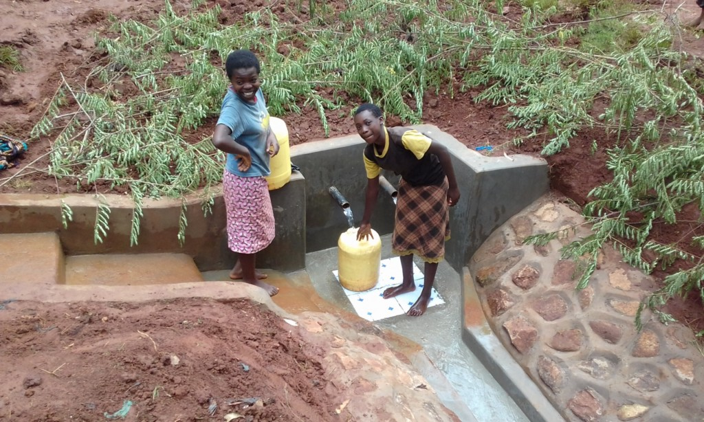 The Water Project : 31-kenya4712-clean-water